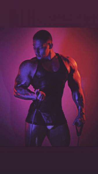 Andrew-Stratus-is-a-gay-stud-model-from-Las-Vegas-4